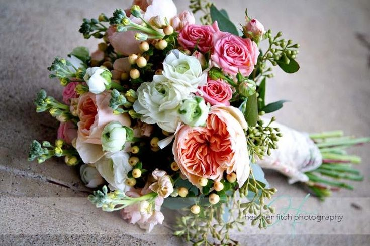 English Country Garden Wedding Flowers | Country garden weddings ...