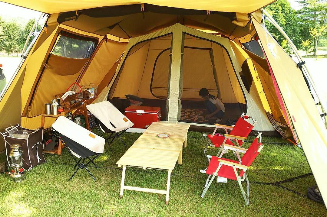 コンパクトフォールディングチェアおしゃれなレイアウト3選!   CAMP HACK[キャンプハック]   テントキャンプ, アウトドアキャンプ,  オシャレキャンプ