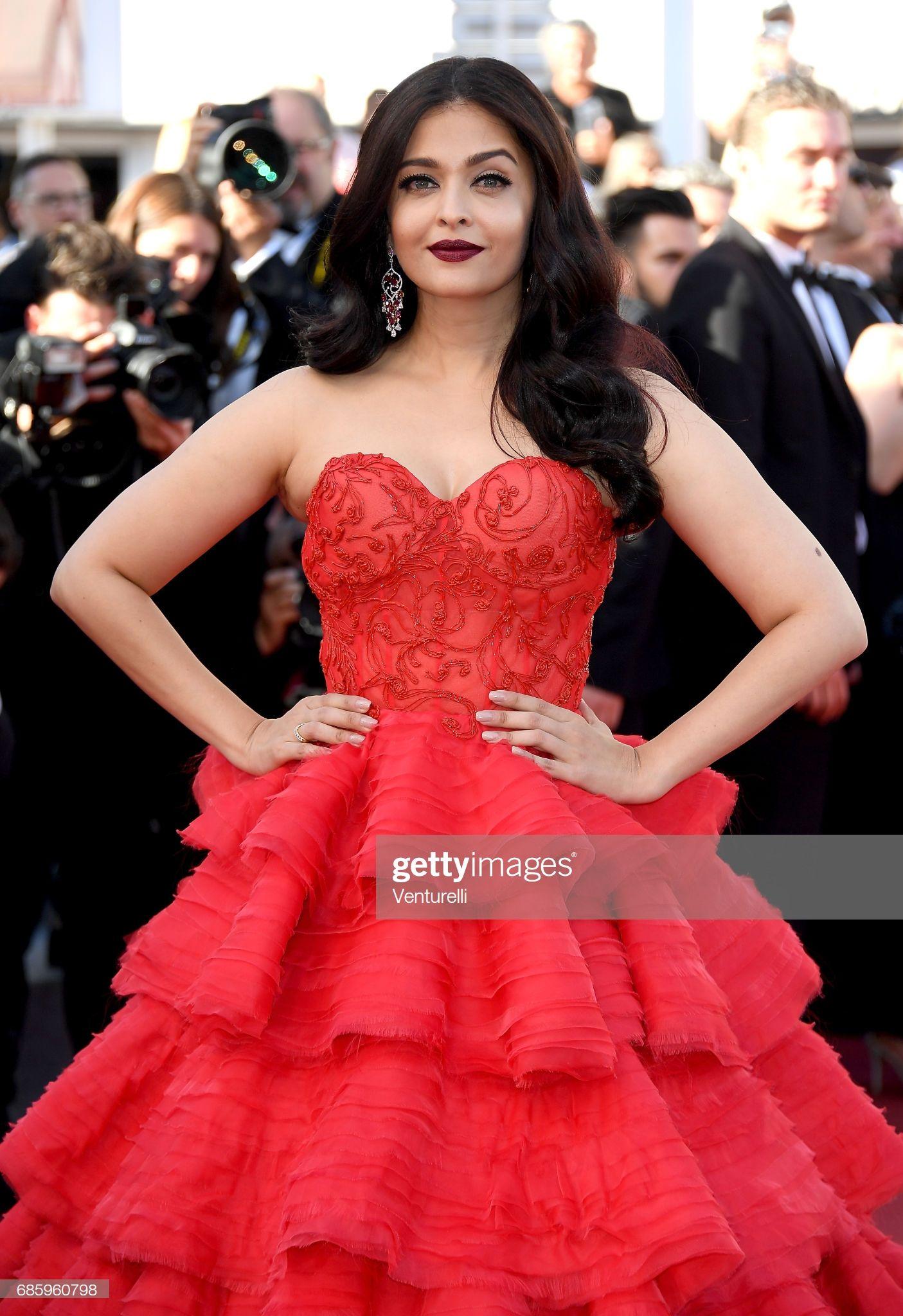 Aishwarya Rai Attends The 120 Beats Per Minute Screening During Glamour Strapless Dress Formal Desi Beauty