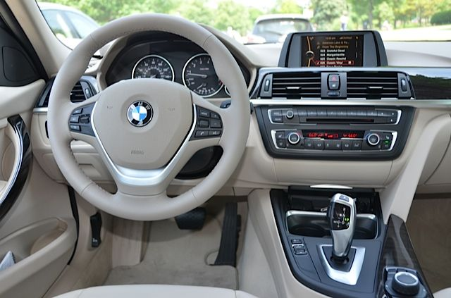features is the steering wheel and the upper instrument