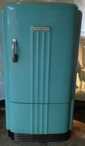 Vintage 1939 Ge Refrigerator In Blue Love The Color And The Lines General Electric Refrigerator Vintage Refrigerator Vintage Fridge