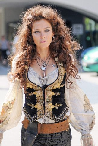 Captain Elizabeth Bonny Pirate Woman Pirate Fashion Pirate Garb