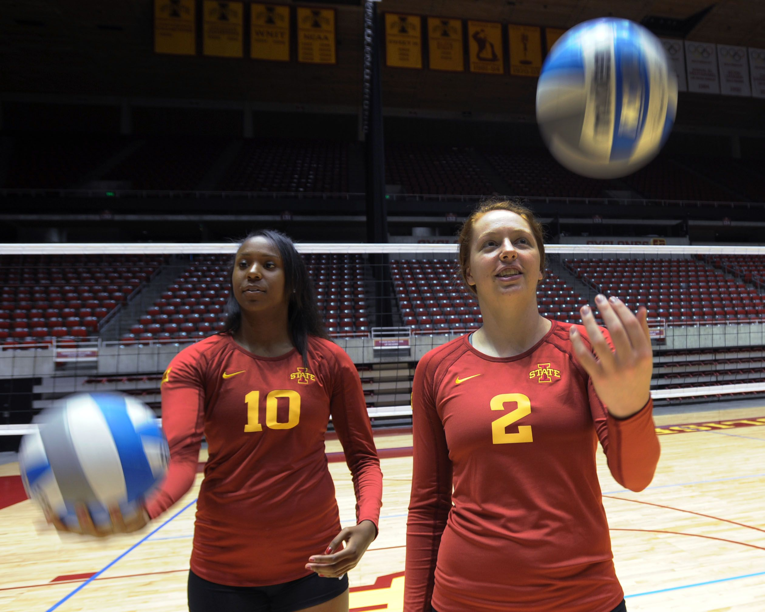 Iowa State S Victoria Hurtt And Mackenzie Bigbee Will Be Two Constants When The Volleyball Team Hits The Court T Iowa State Cyclones Volleyball Team Iowa State
