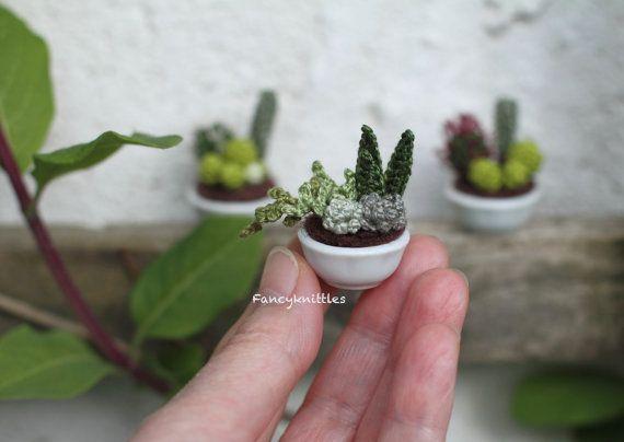 Amigurumi Cactus Tejido A Crochet Regalo Original : Llaveros tejidos de cupcakes o cactus tejidos