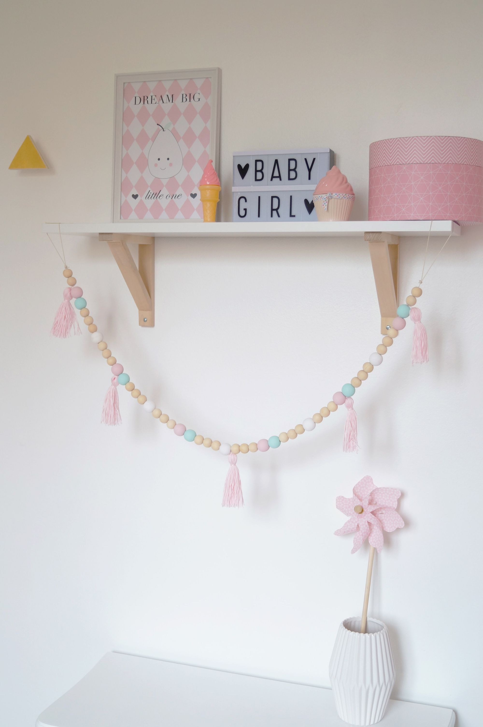 Guirlandes perles bois   Déco chambre enfant   Pinterest   Perles ...