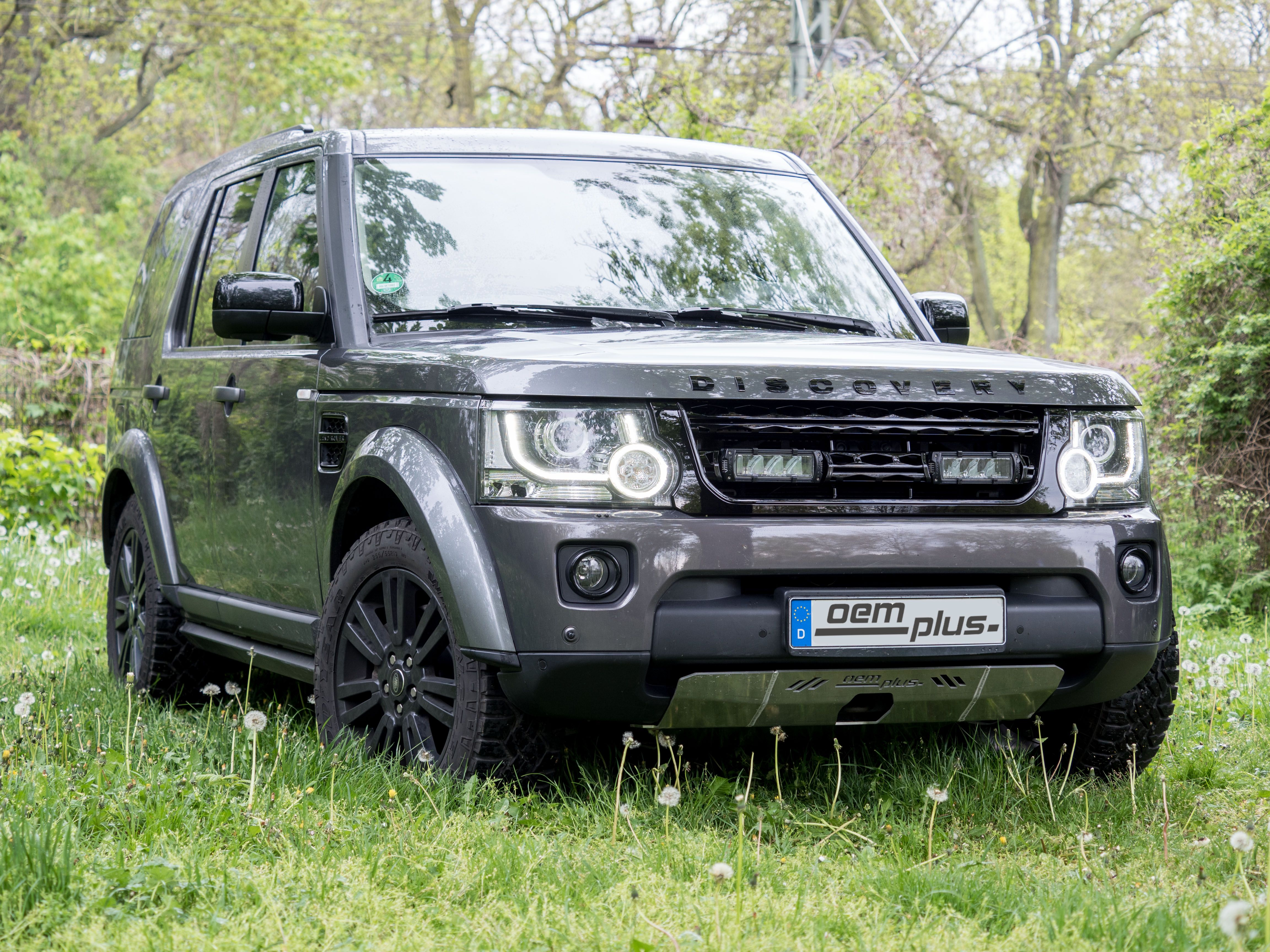 Land Rover Discovery with under body front protection and