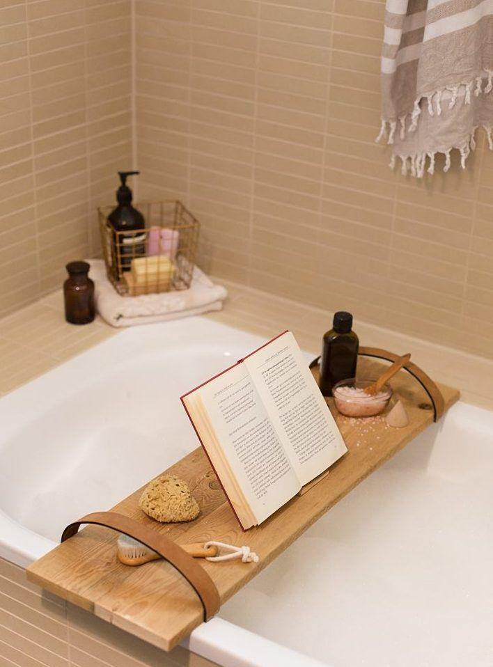 diy anleitung badewannenbr cke aus holz selber bauen via. Black Bedroom Furniture Sets. Home Design Ideas
