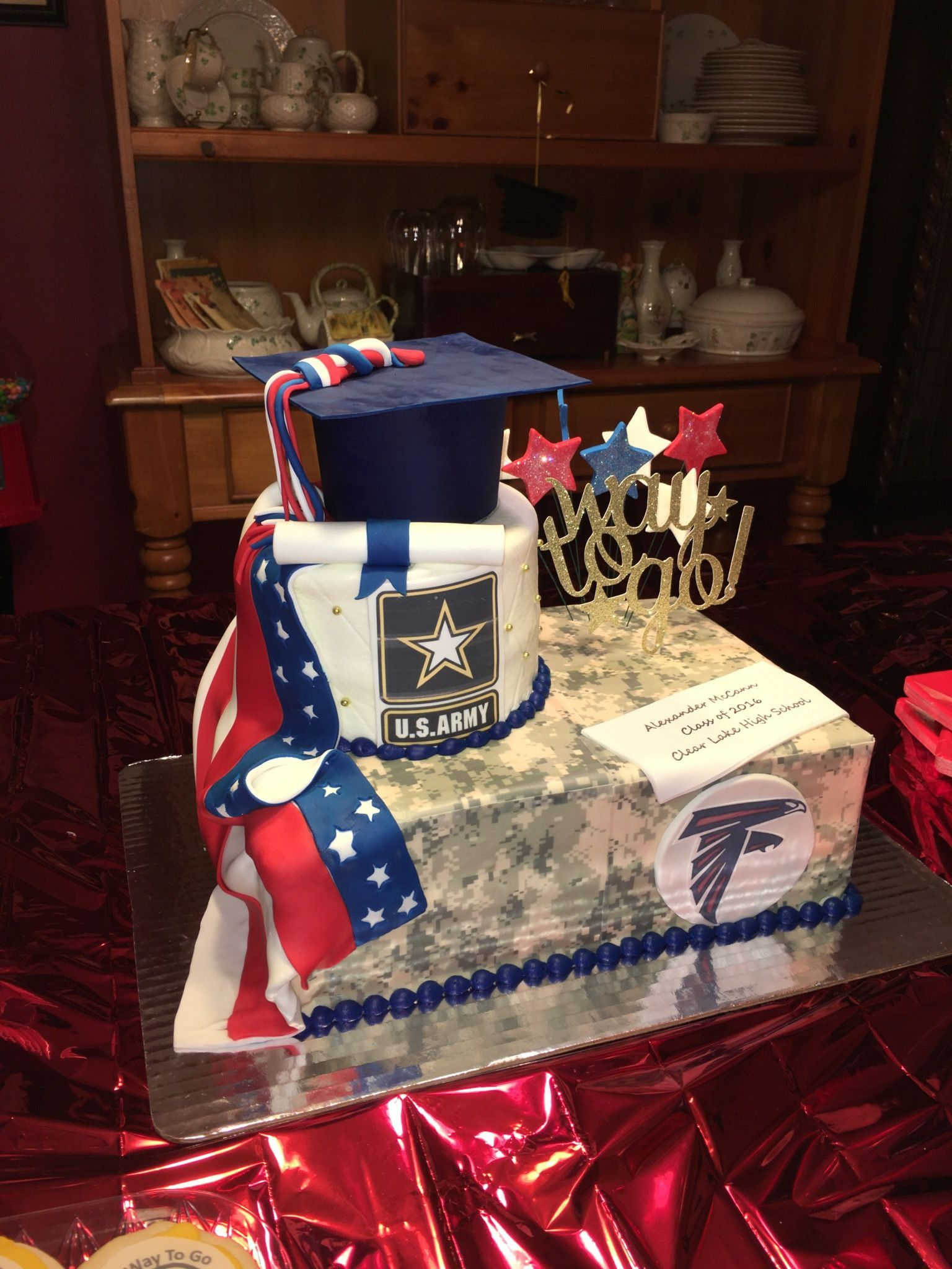 Army going away and high school graduation cake in 2020