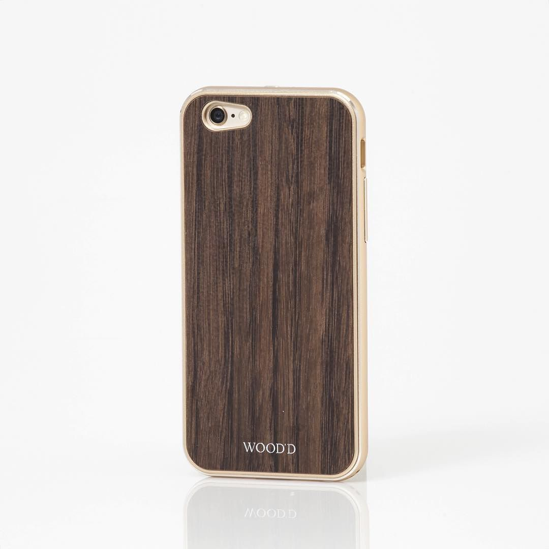 Golden aluminium and ebony for this beautiful Wooden Armour. Check it on woodd.it #Woodd #TheWoodenArmour #Fashion