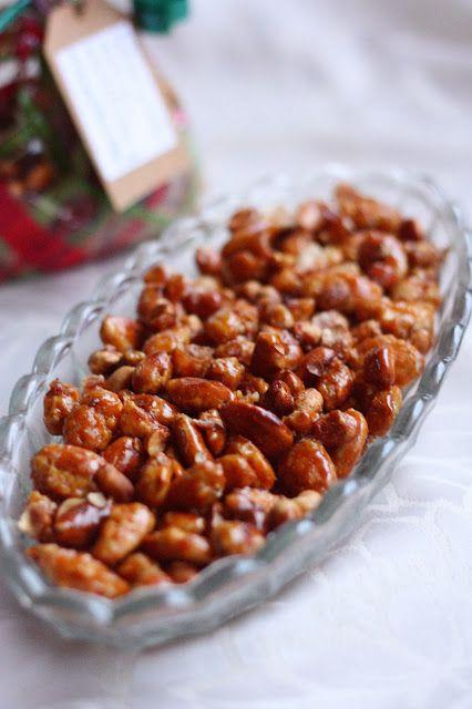Suklaapossu: Karamellisoidut mantelit ja maapähkinät