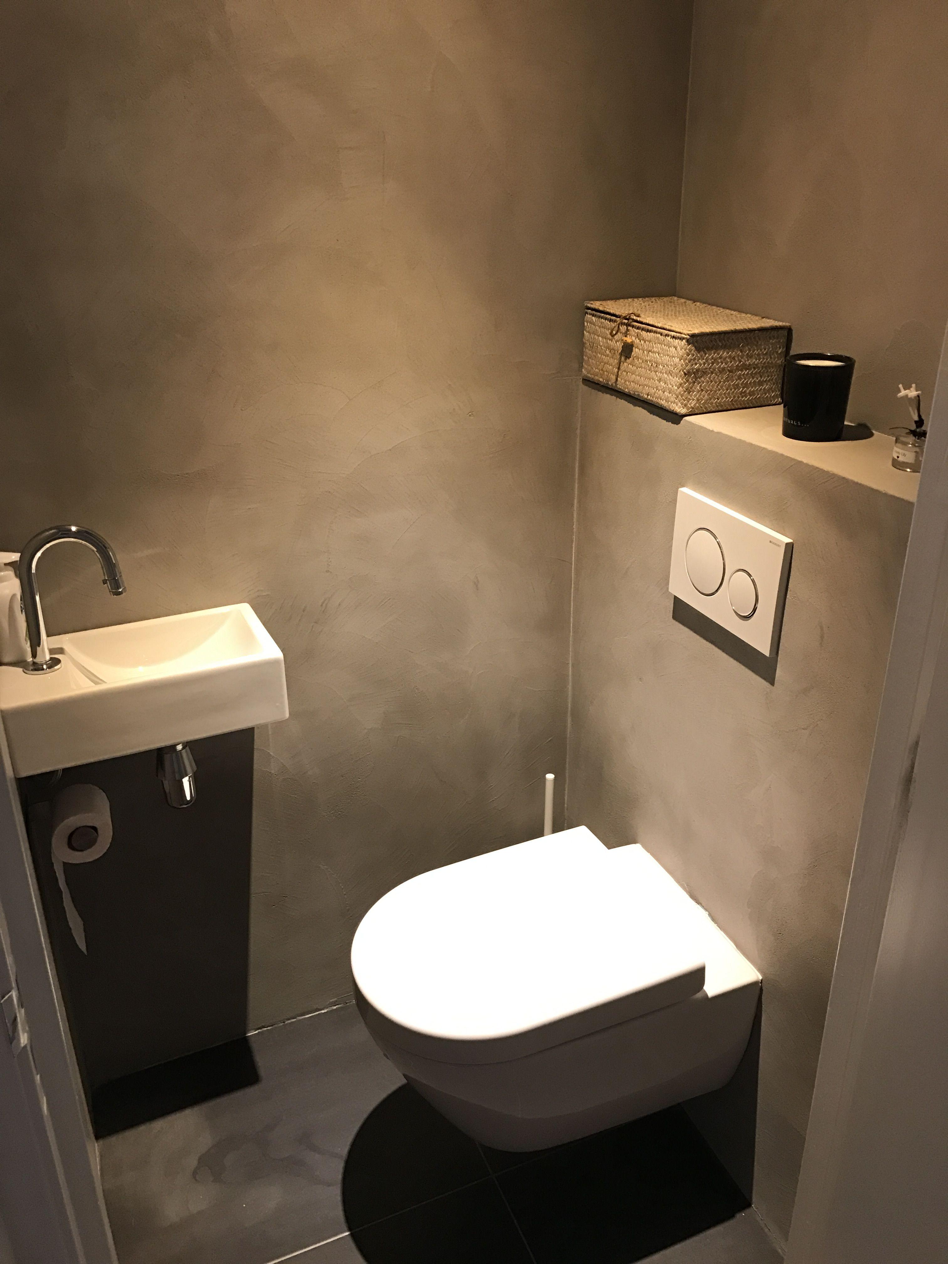 Beton Cire Beal Mortex Afgewerkt met bijenwas   WC in