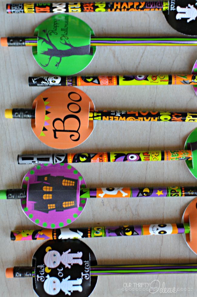 such a cute idea for a Halloween gift for friends Of even for trick - cute halloween gift ideas