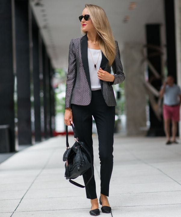 statement-suit-with-tank-top-and-straight-leg-pants
