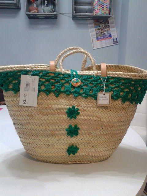 By clara crochet capazos de palma natural decorados a - Cestos de palma ...