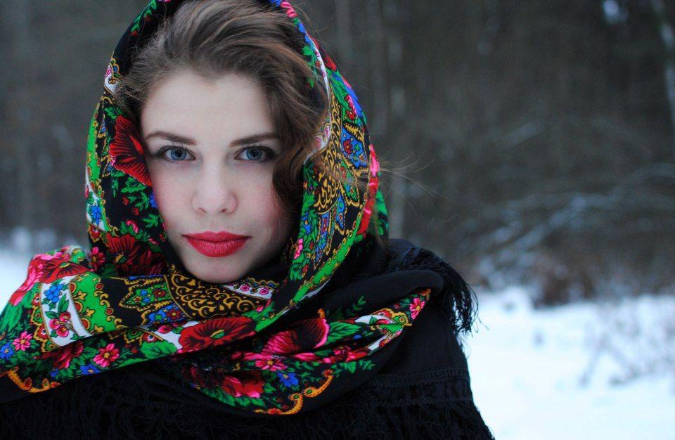 odevaetsya-devushka-russkaya-foto-porno-rakom-s-seksualnoy-zreloy-zhenshinoy-v-upruguyu-popku