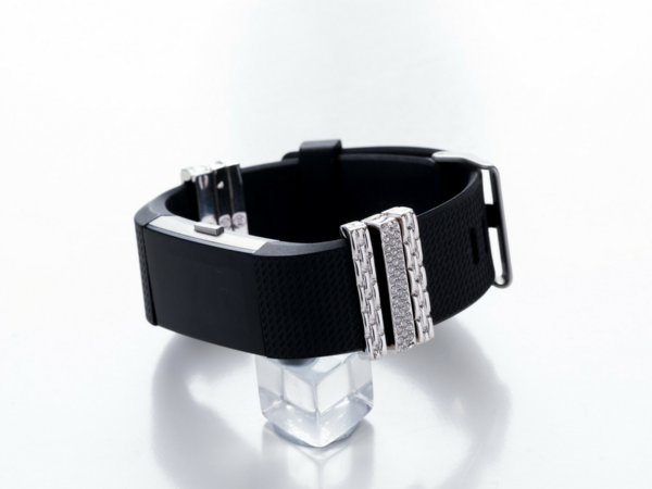 Personalize your Fitbit Charge 2 or Apple Watch with a pair of eye-catching charms. Choose from thin stud bars or thin basketweave bars in gold, rose gold, or silver, and have fun accessorizing your b