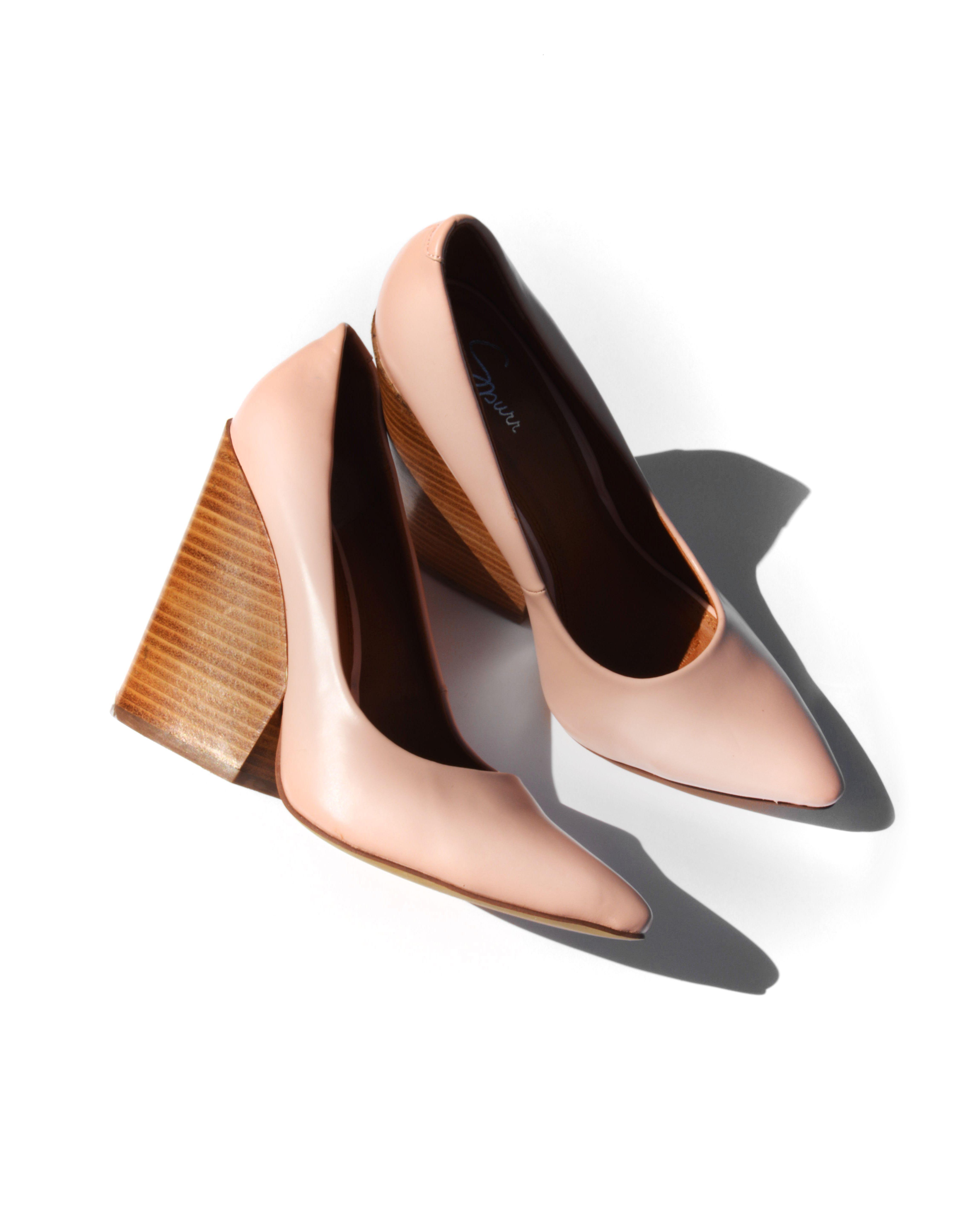 Los stilettos de tacón ancho serán tu mejor aliado para la oficina ... 51cd3f57b4