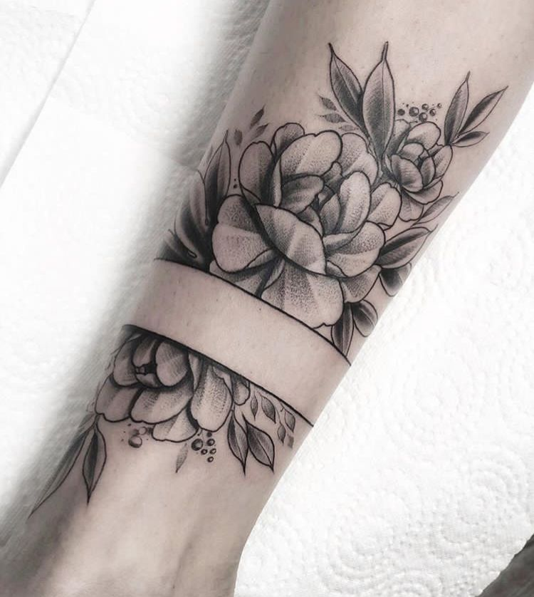 Flower Band  von Tattoo Künstler  Taras Shtanko  Gestochen bei #INKLABS