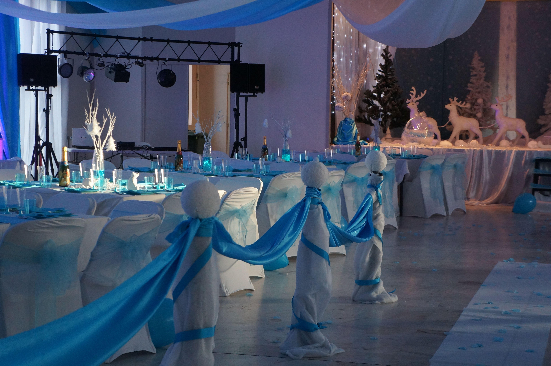 Decoration salle de mariage sur le theme de l\u0027hiver en blanc et turquoise  Mariage Essonne