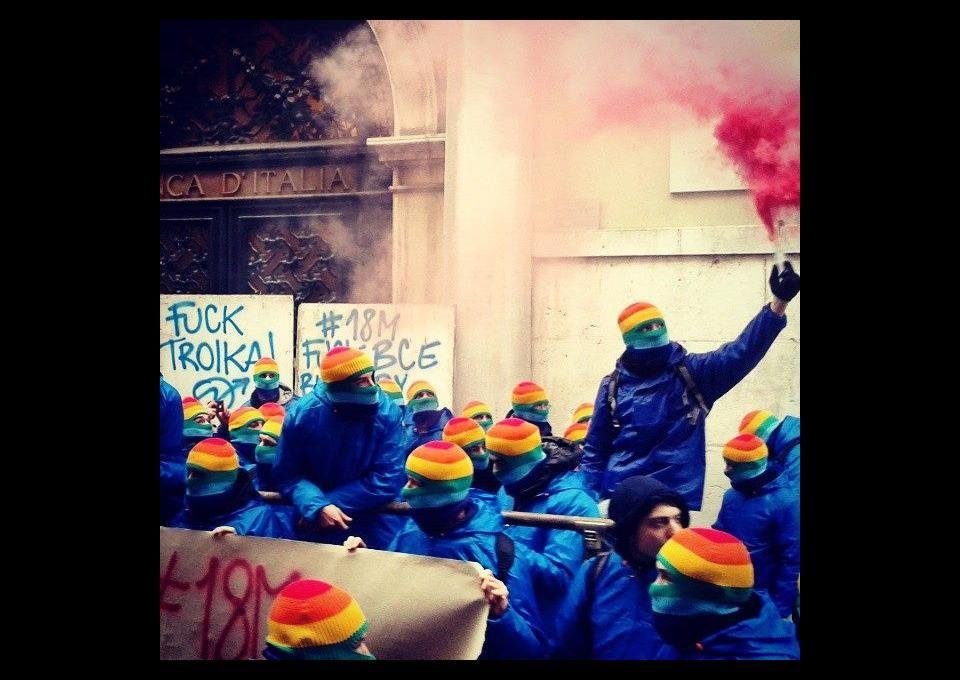 Cerca de 150 activistas ocupan la sede del Banco de Italia en Venecia | Periódico Diagonal