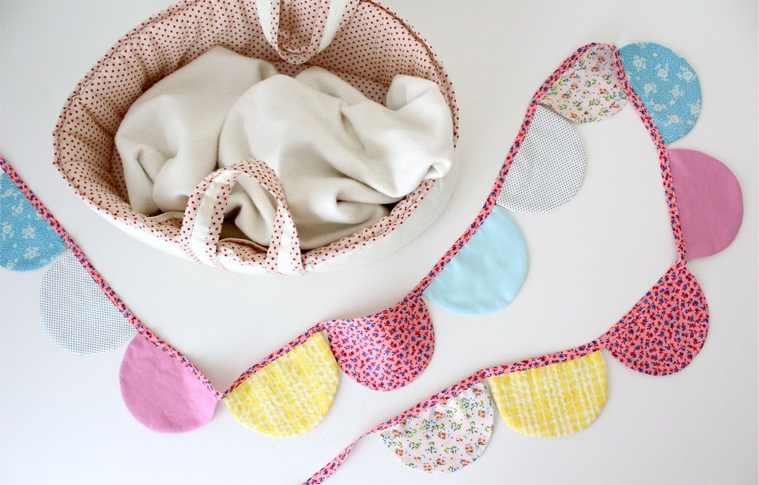 Scalloped Baby Bunting | Baby Things | Pinterest | Guirnaldas