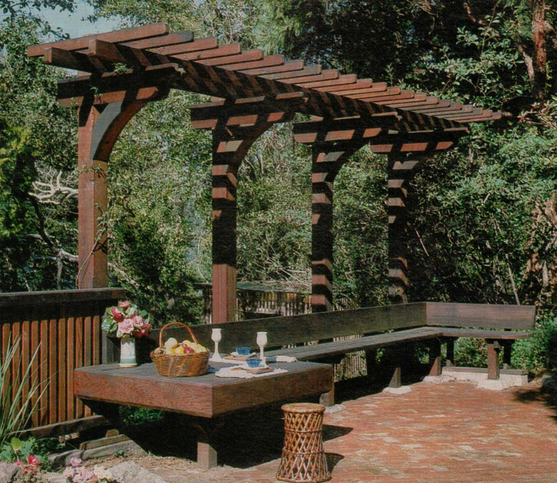 Overhang pergola nice seating area repinned by for Garden area ideas