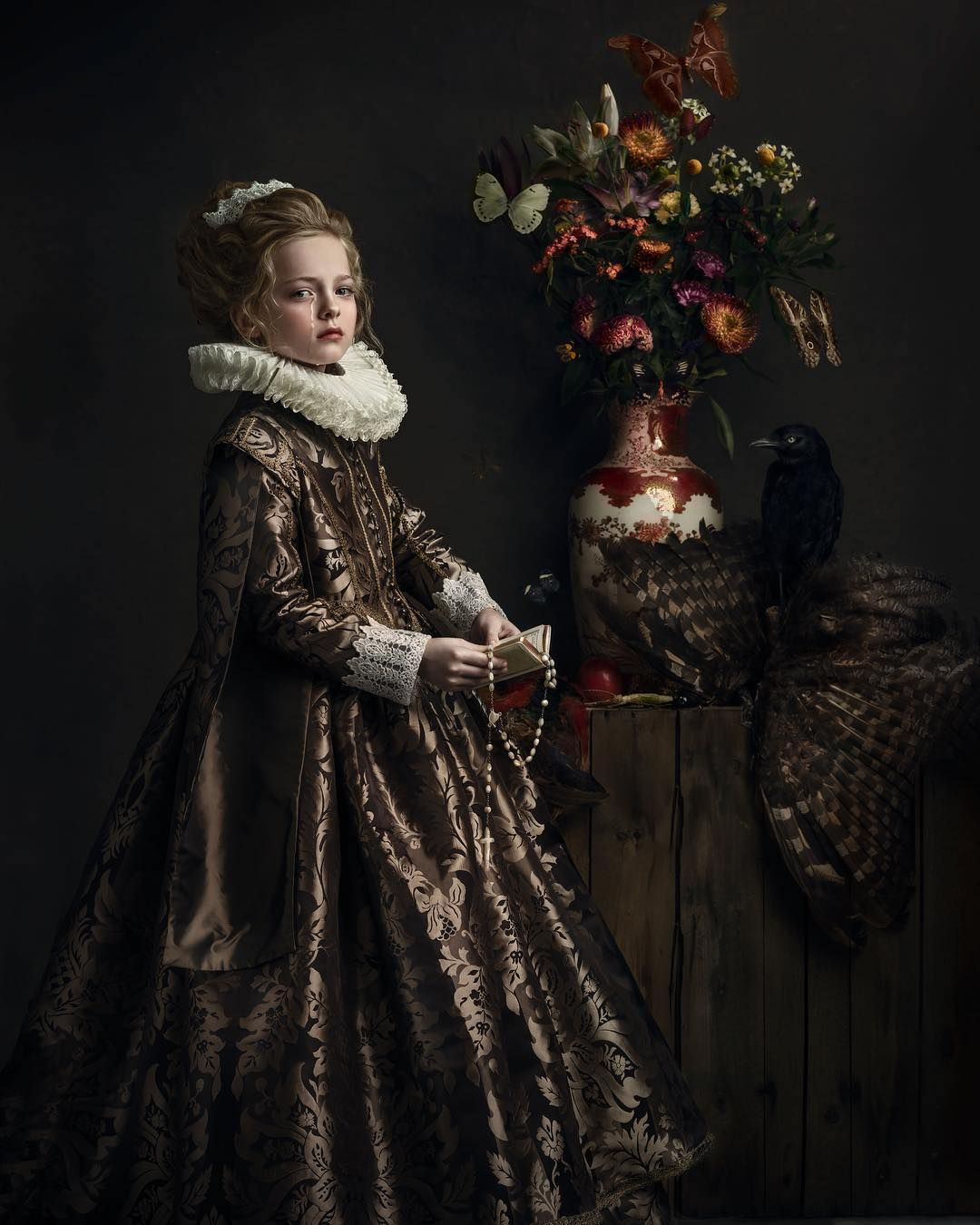 Photographer Shoots Exquisite Portraits To Look Exactly Like Old Masters Oil Paintings Fine Art Portrait Photography Fashion Photography School Fine Art Portraits