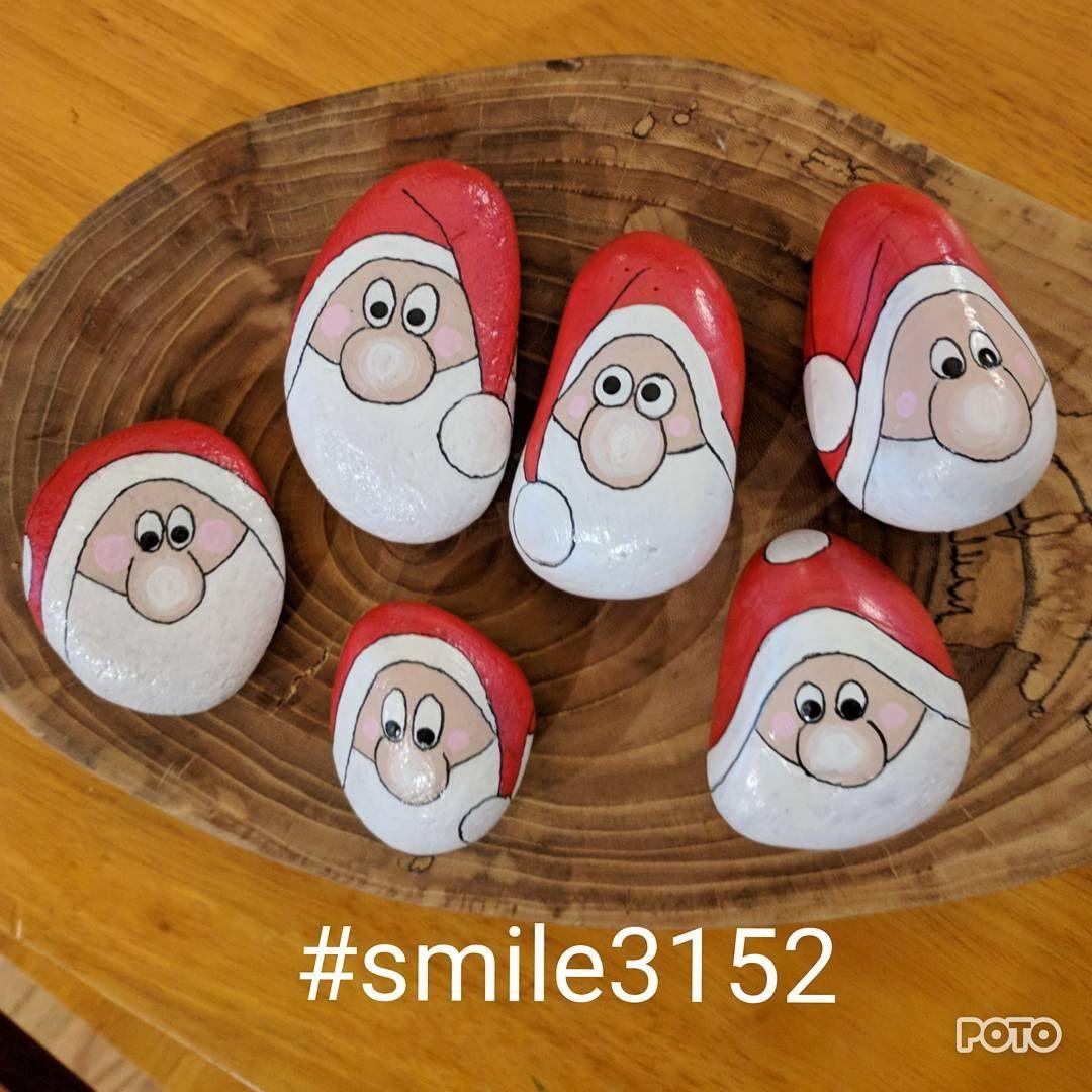Smile3152 Paintedstones Paintedrocks Finderskeepers Christmas Pebble Art Rock Crafts Christmas Art
