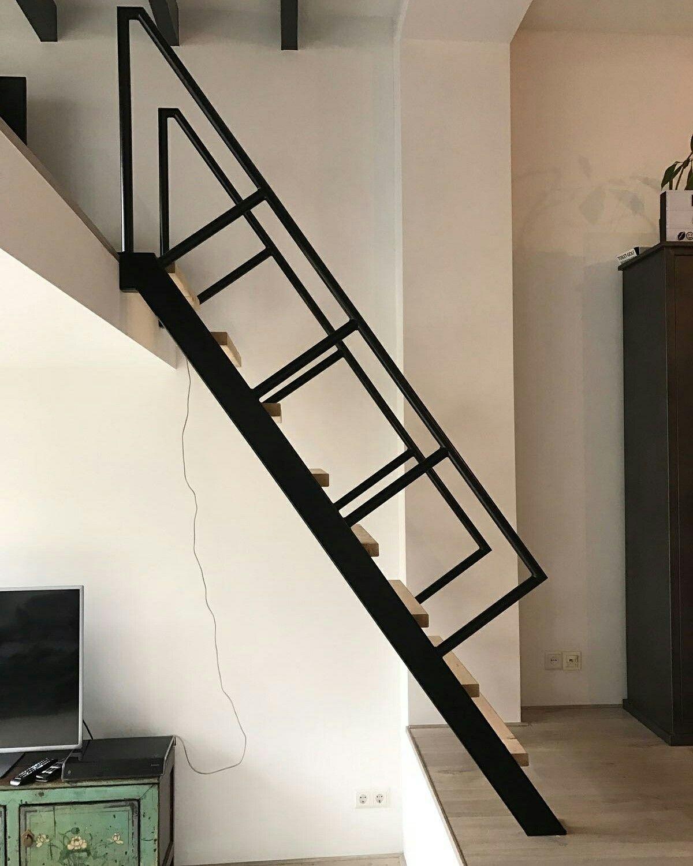 Spiksplinternieuw Steektrap, rechte trap voor kleine ruimte www.trabotrappen.nl (met VO-65