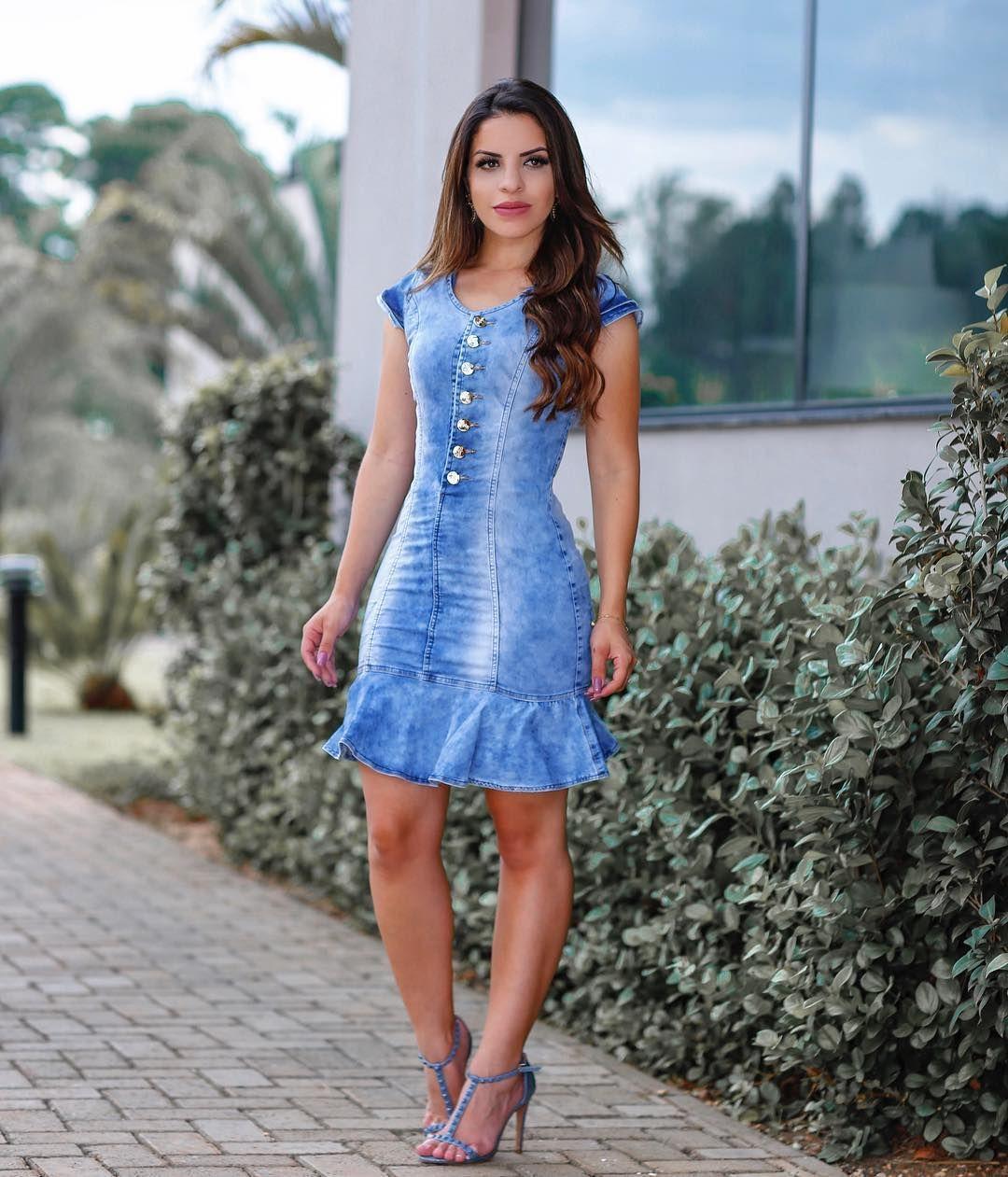 "5c5bc42bf 11.9k Likes, 686 Comments - Paola Santana (@paaolasantanaa) on Instagram:  ""{ Jeans ❤ Eu amo viu!? Gostaram desse vestido da @eleganciamodaevangelica  ?!"
