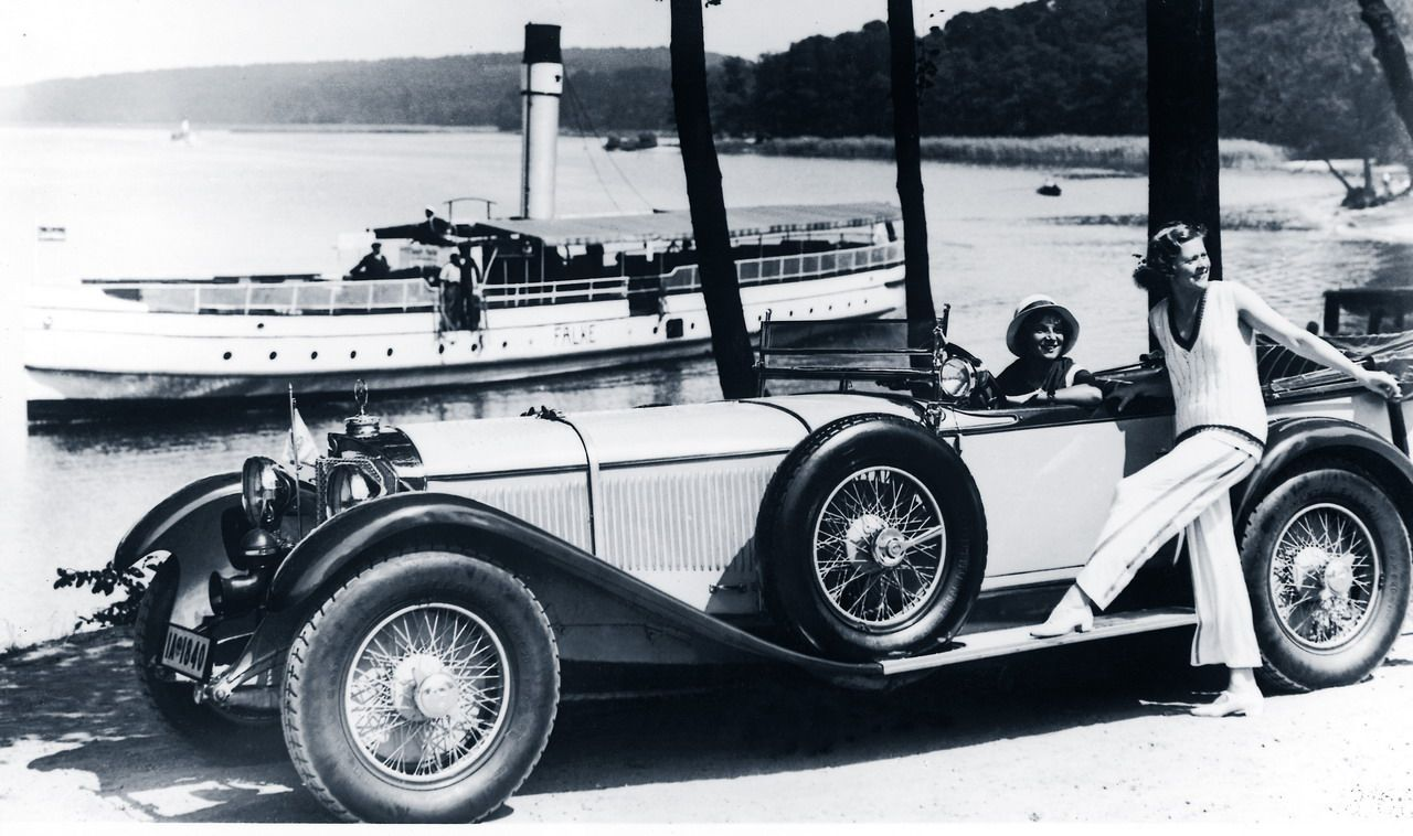 Extreme long vintage car with two ladies - 1920\'s | Fast times ...