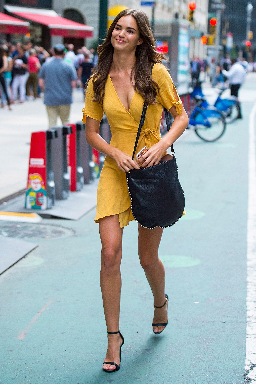 3140a17cd251b Beautiful Dress Designs, Women's Summer Fashion, Model Street Style, Street  Style Summer,