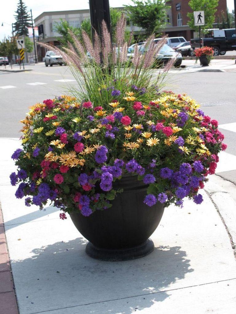 63 simple container garden flowers ideas 20 #flowerpotsoutdoor