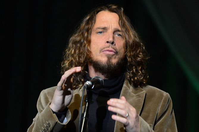 Stars We Lost in 2017 Chris cornell, Jimmy page, Wayne