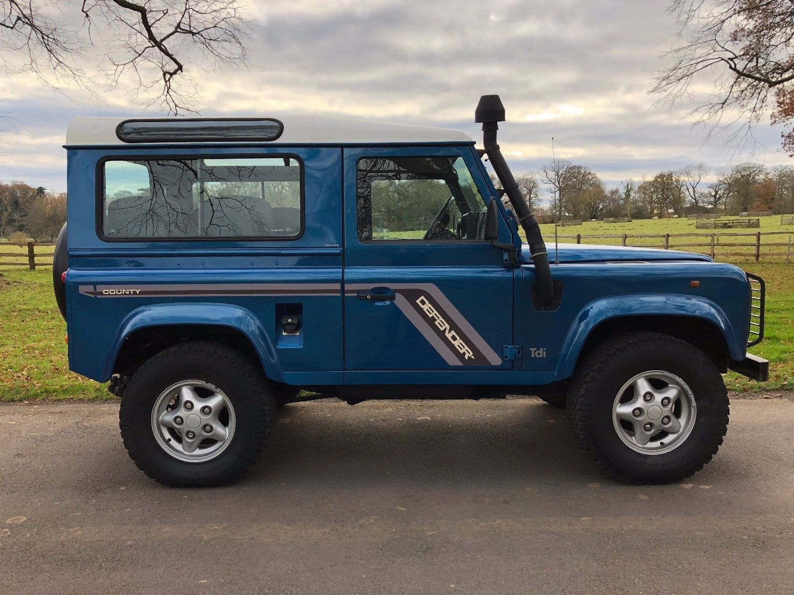 eBay: 1997 LAND ROVER DEFENDER 90 COUNTY MANUAL 190000 MILES BLUE