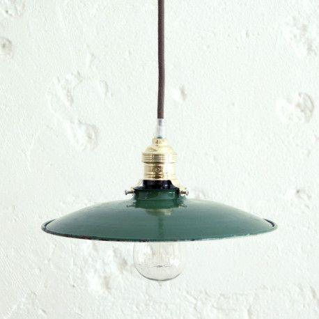 Plafonnier vintage tôle émaillée verte industrielle
