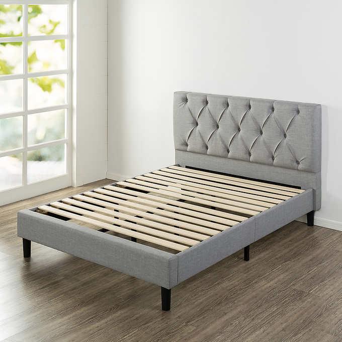 Best Blackstone Grand Upholstered Diamond Tufted Platform Bed 640 x 480