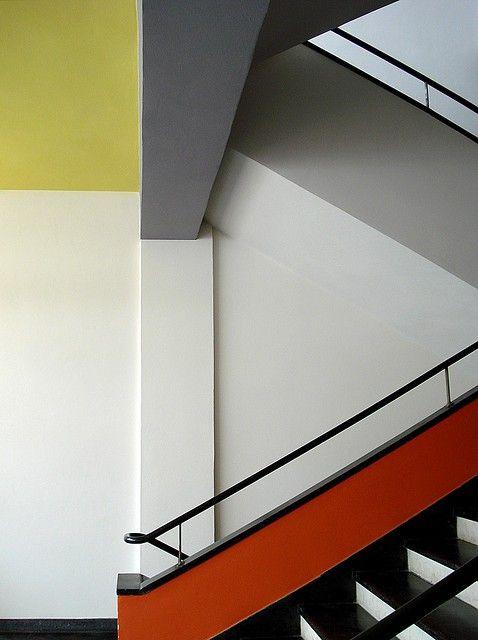 Treppenhaus Bauhaus Farben