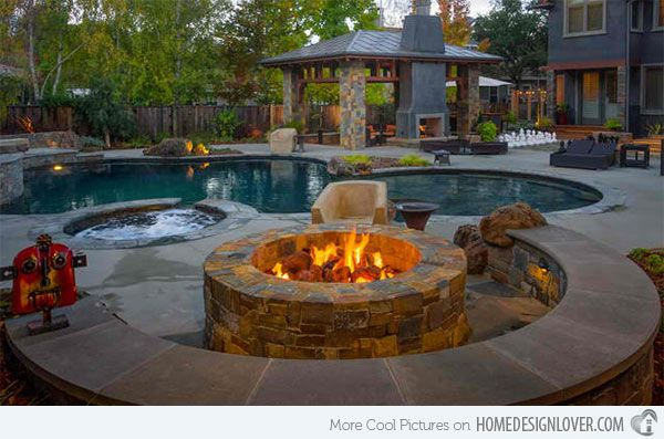 Fire Water Combo In 15 Traditional Pools With Fire Pits Home Design Lover Backyard Fire Backyard Pool Fire Pit Backyard