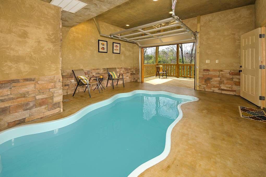 A Bear S Alpine Pool 2 Bedroom Cabin Rental Pool Alpine Pools Cabin Rentals