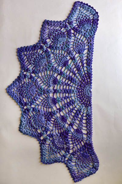 Pineapple Peacock Shawl Pattern #shawlcrochetpattern