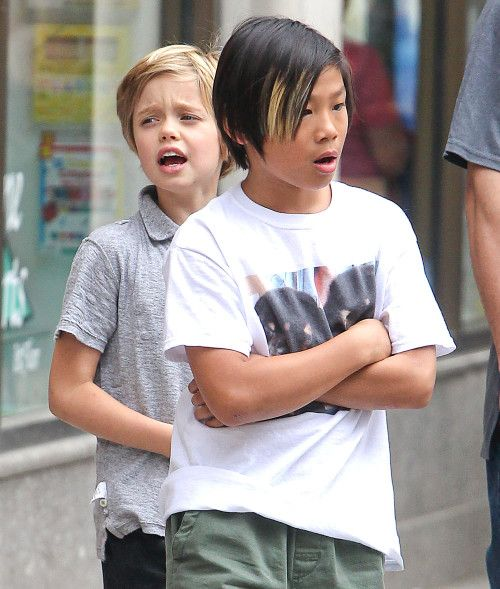 Pax, Shiloh and Knox Jolie-Pitt do some shopping at Lee's ...  Pax, Shiloh and...