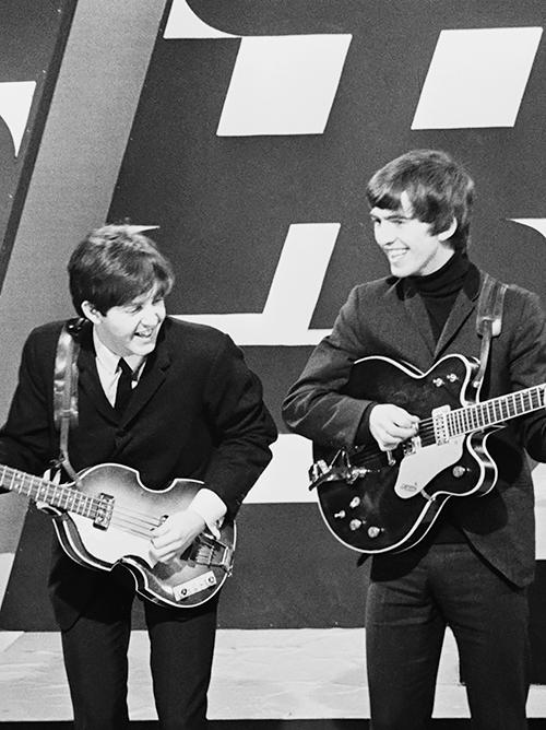Paul McCartney & George Harrison. AHHH OH MY GOSH AHHHHHH