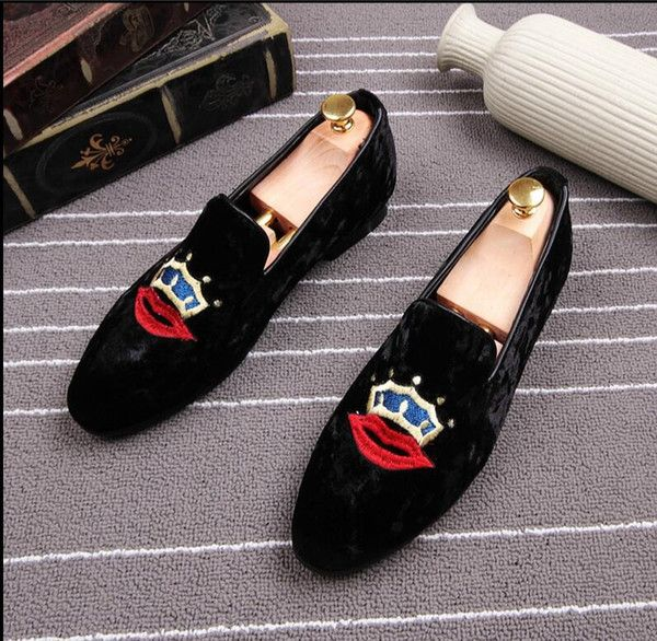 I found some amazing stuff, open it to learn more! Don't wait:https://m.dhgate.com/product/exquisite-embroidery-pattern-men-velvet-shoes/396724111.html