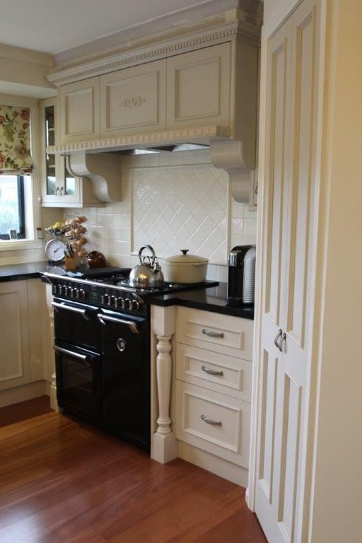 Within The Heart Of This Provincial Kitchen Sits The Black Delectable Kitchen Design Richmond Design Ideas