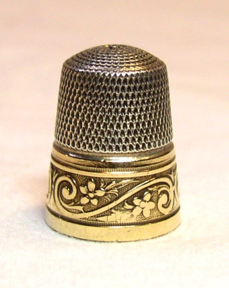 Vintage Simons Bros. Gold Band Sterling Silver Thimble Flowers & Vine Pattern