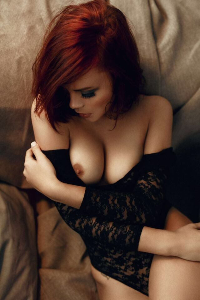 stars-scrappy-young-redheads-naked