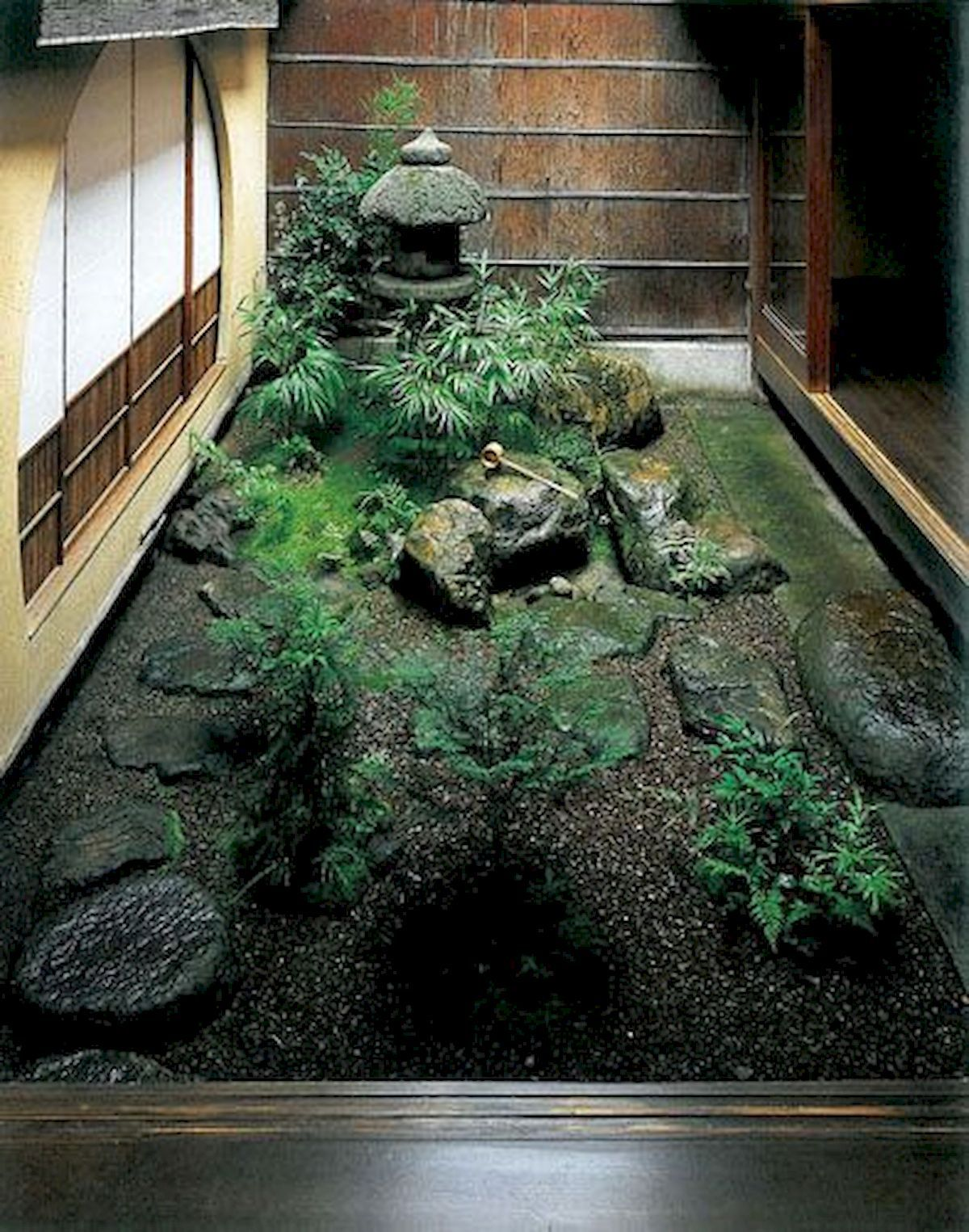 Cozy Japanese Mini Courtyard Garden Ideas | Indoor zen ...