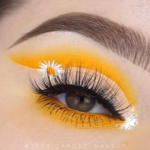 Beauty Flower Eye Makeup  #Colorful, #eyemakeupcolorful
