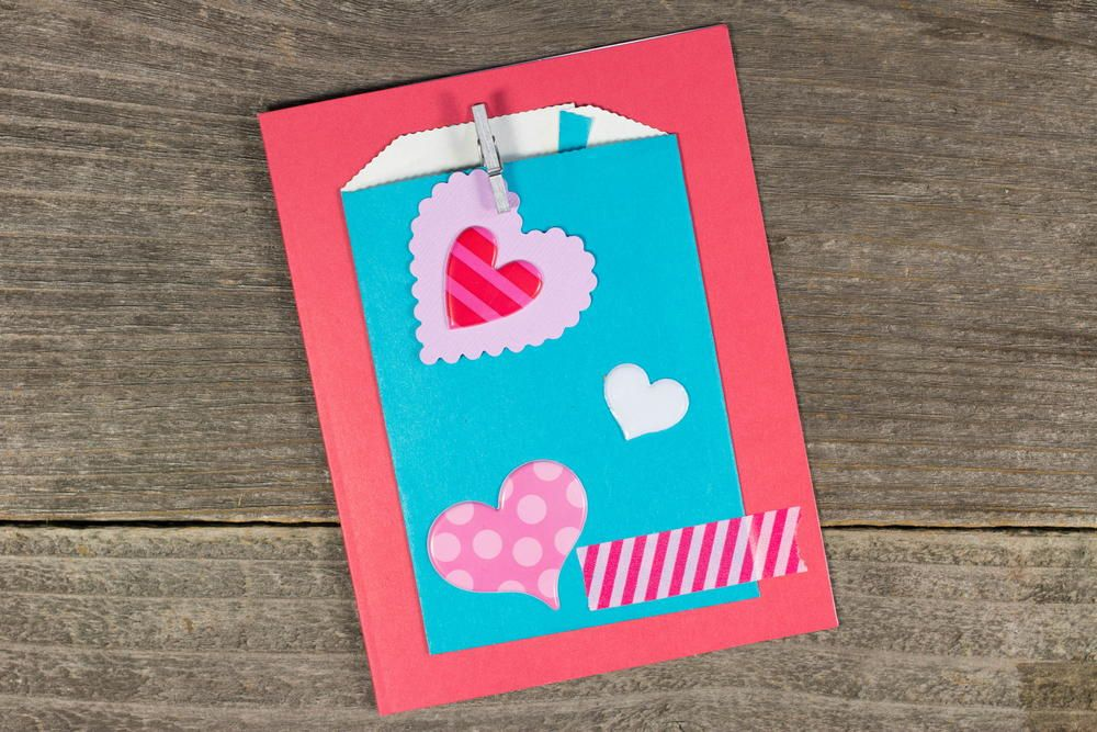 Quick Kids DIY Valentine's Cards - Make DIY cards in minutes with this crafting video.